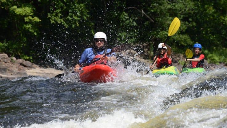 Cours de kayak sur la rivière Rouge | Rafting Nouveau Monde